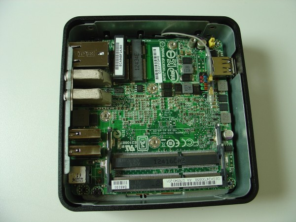 intel_nuc_d3217iye_open