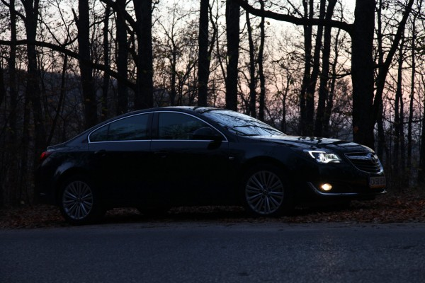 opel-insignia-night-black