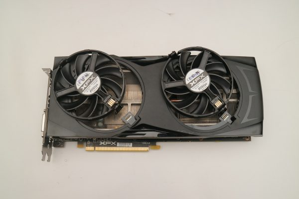 480_gtr_8gb_card_fans_off2